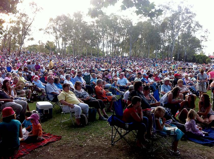 Tamworth: fans gather to listen to the velvet tones of Sara Storer